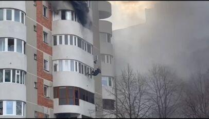 Incendiu puternic într-un apartament de pe bulevardul Mamaia