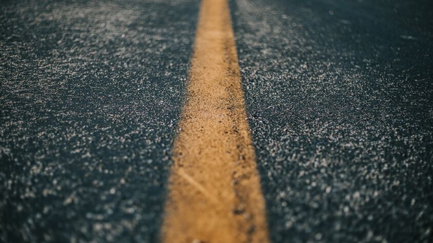 Nu prăpăstiile ne despart, ci autostrăzile