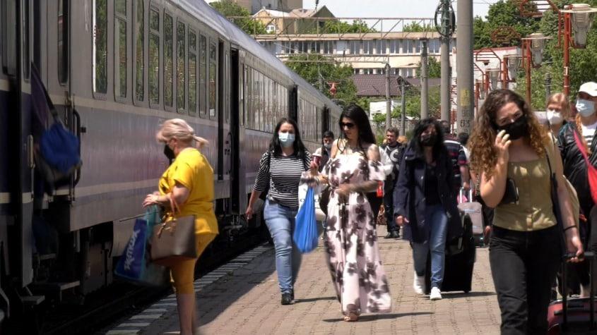 În vacanță, cu trenul