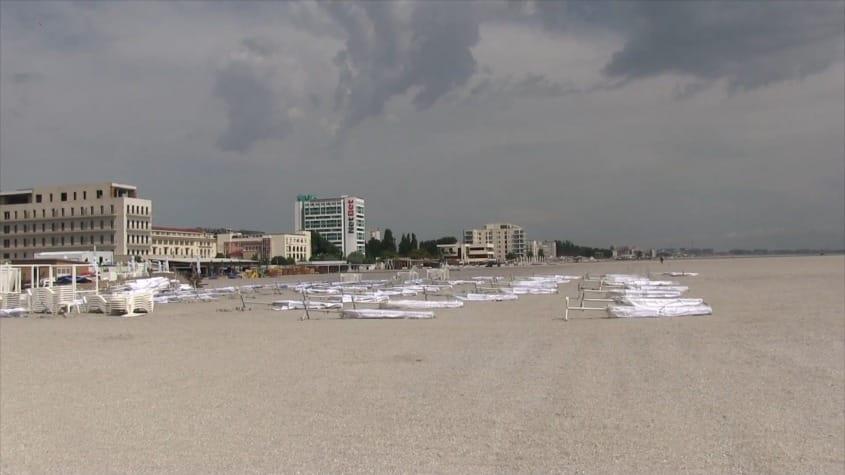 Fără șezlonguri și beach baruri, pe noile plaje din Mamaia