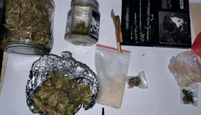 Arestați preventiv pentru trafic de droguri